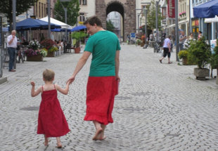 Dad wears dress to stop bullies