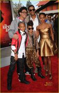 Will smith-willow-jaden-jada-trey-karate-kid-premiere-03